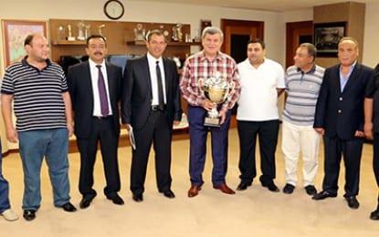 Selanikspor kupayı Başkan'a getirdi