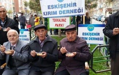 Kırım Türkleri Eskişehir Derneği Aşure Dağıttı