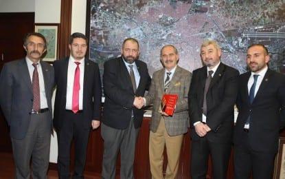Büyük Birlik Partisi Eskişehir Yeni İl Yönetim Kurulu Büyükşehir Belediye   Başkanı Yılmaz Büyükerşen'i ziyaret etti