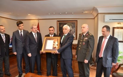 """Karabüklü Gazi'ye """"Devlet Onur"""" Madalyası"""