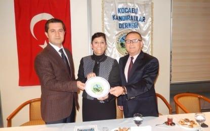 Ak Parti Milletvekili aday adayı Ecz. Ayşe Müge Olşen Kocaeli Kandıralılar Derneğinde..