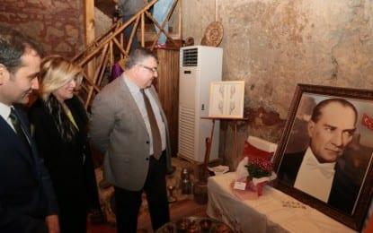 Kesimoğlu, Sanat Galerisi Açılışına Katıldı