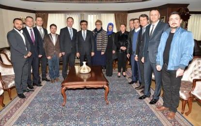 İzgiad'dan Kocaeli Valisi Güzeloğlu'na Ziyaret