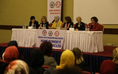 """Kadın Meclisi'nden """"Kadın Olmak Kadın Gibi Yaşamak"""" Paneli"""
