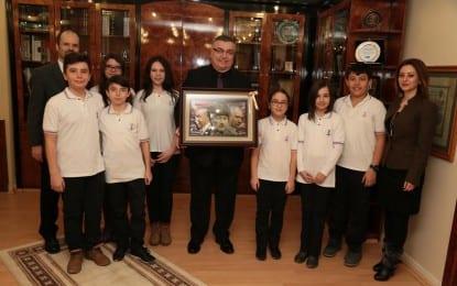 Minik Öğrencilerden Kesimoğlu'na Ziyaret
