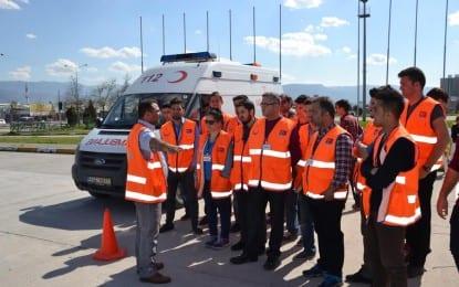 Ambulans Şoförlerine İleri Sürüş Teknikleri Eğitimi Verildi