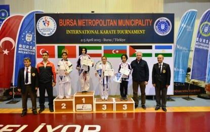 Karateciler Madalyalarını Aldı