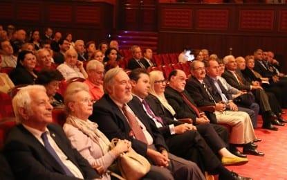 """Büyükerşen, 2015 yılı """" Semiha Berksoy Özel Ödülünü"""" İstanbul'da düzenlenen törende aldı"""