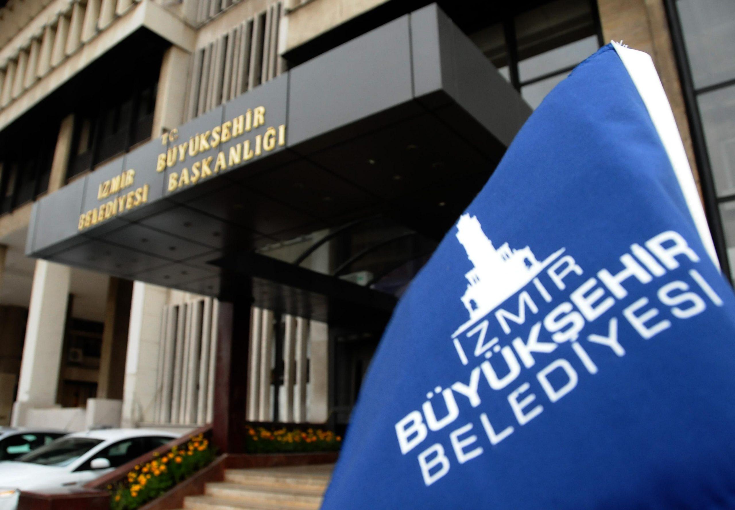 izmir belediye başlanlığı dış bina resmi