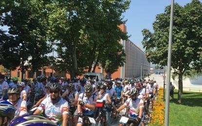 Merinos AKKM´den Bisikletçiler Geçti