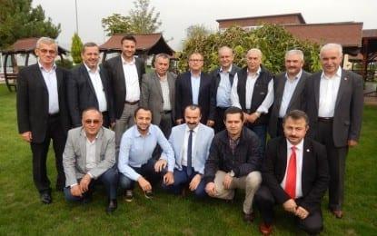 Kandıralılar Hacdan dönen eski Başkanları Dr. İsmail Çapçı ve Recep Yıldız için toplandı