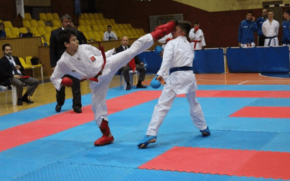 襤zmit Tatami sporlu Karateci Yu�a �nt羹rk'ten uluslararas覺 ba�ar覺