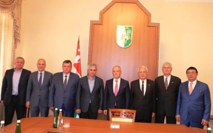 Karaalp Abhazya'da Cumhurbaşkanı ile görüştü
