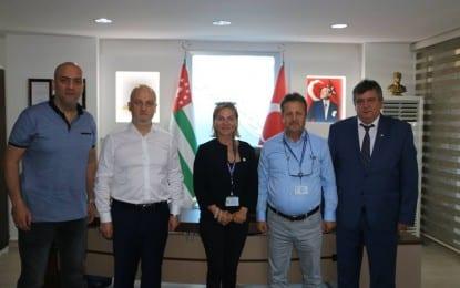 Fenerbahçe Spor Kulübü yöneticileri Akmis Grup'u ziyaret etti