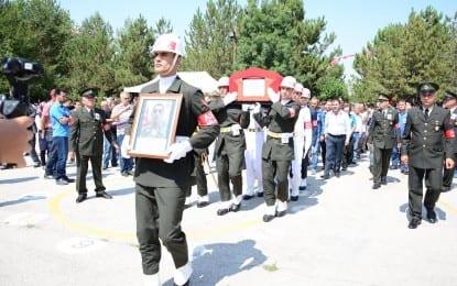 Kazan, şehidini son yolculuğuna uğurladı