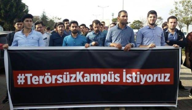 Kocaeli Üniversitesi'nde Aktif görev yapan öğrenci dernekleri teröre karşı tek yumruk oldu
