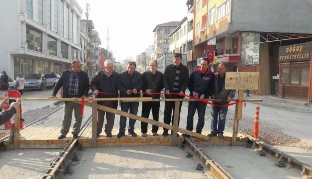 Yenişehir Mahallesi esnafı köprü açtı