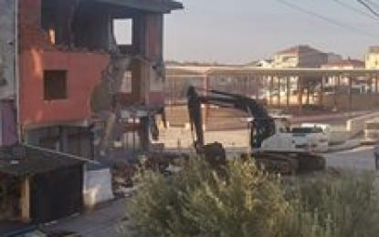 Yıkım Yapılan Ev Mahalleyi Toz Duman içinde bıraktı