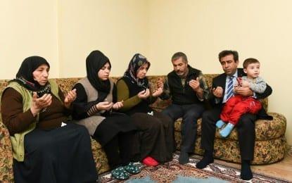 Vali Güzeloğlu Şehit Er Raşit Yücel'in Ailesine Taziye ziyaretinde bulundu