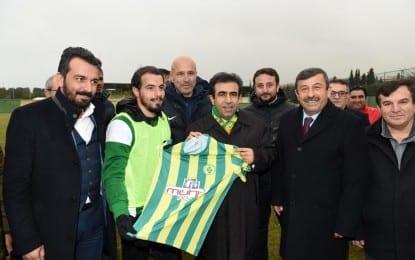 Darıca Gençlerbirliği Spor Kulüp Başkanı Mustafa Öztürk; Valimizin spora bu kadar düşkün olması bizler için büyük bir şans