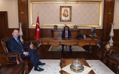 Yeni Başiskele Kaymakamı Vali Güzeloğlu'nu ziyaret etti
