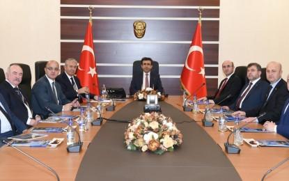 Yedi İl Başkanı Vali Güzeloğlu ile görüştü