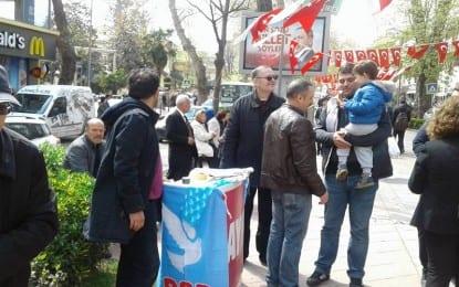 DSP İzmit, Yürüş Yolu'nda Hayır bildirisi dağıttı
