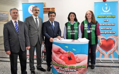 """""""1 ünite kan ver, 3 can kurtar"""" Kampanyasına Vali Güzeloğlu'da Katıldı"""