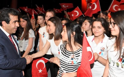 Vali Güzeloğlu'ndan 19 Mayıs Atatük'ü Anma, Gençlik Ve Spor Bayramı Mesajı