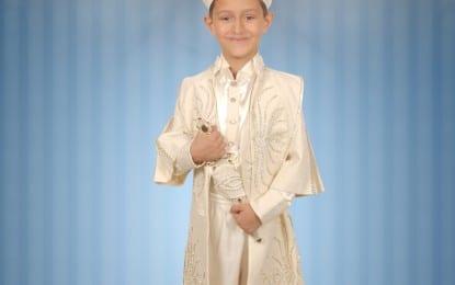 Mehmet Mol Erkekliğe İlk Adımı Attı