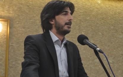 Saadet Partisi Kocaeli İl Başkan Yardımcısı Eğitimci Ahmet Özen, Kocaeli Üniversitesi'nin koltuk kavgaları ile gündeme gelmesin