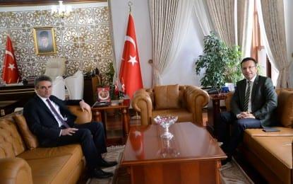 Vali Aksoy Bolu Valisi Aydın Baruş'a İade-i Ziyarette Bulundu
