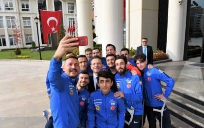 Türk Silahlı Kuvvetleri Rehabilitasyon Spor Kulübü'nden Vali Aksoy'a Ziyaret