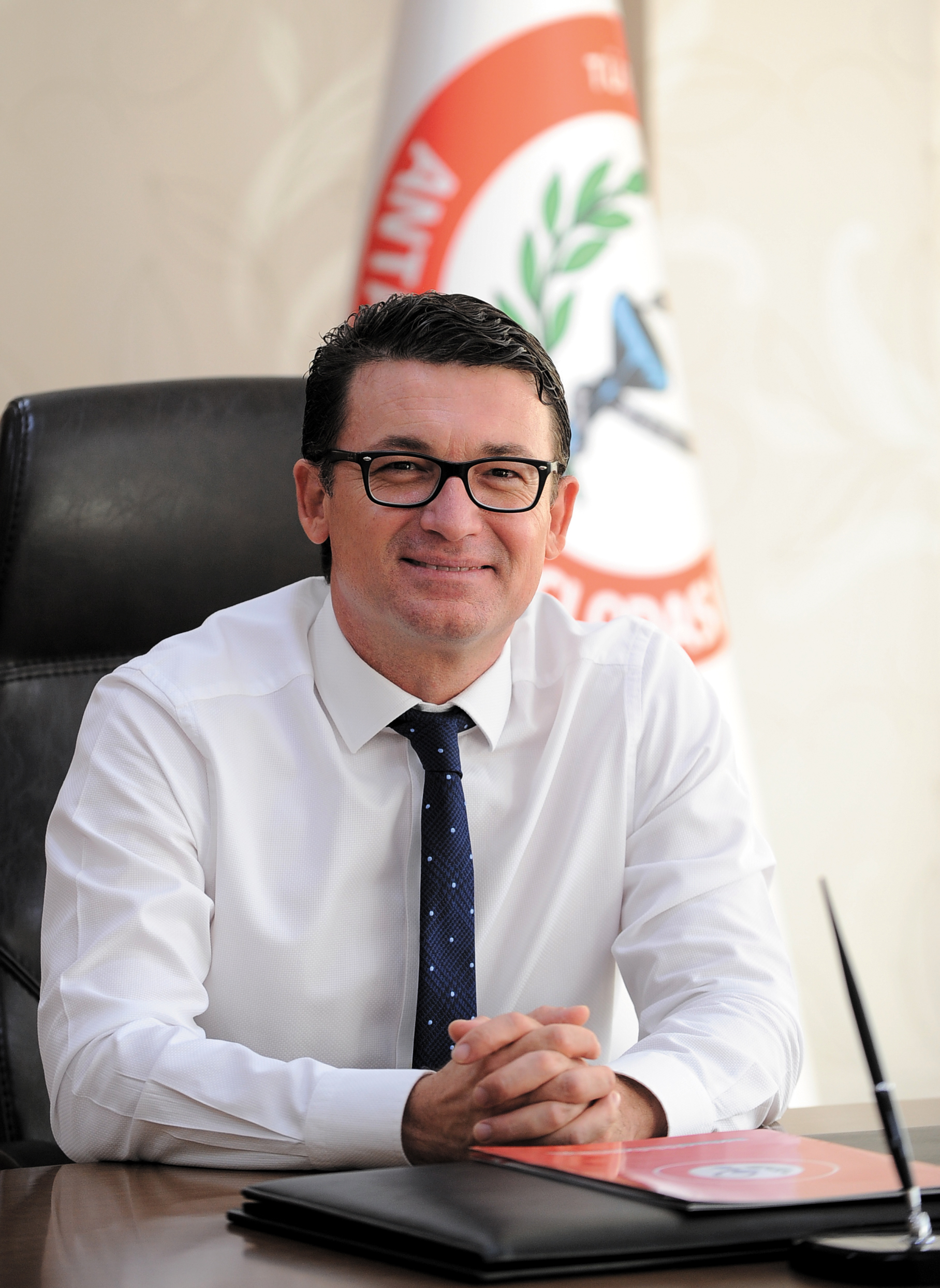 Antalya Eczacı Odası Yönetim Kurulu Başkanı Ecz. Tolgar AKKUŞ