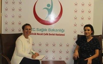 """Gölcük Necati Çelik Devlet Hastanesi doktorlarından Op. Dr. Hülya Boztepe ile """"Meme Kanseri ile İlgili Merak Edilenler"""""""