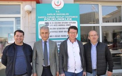Türk Sağlık Sen Kocaeli Şube Başkanı Ömer Çeker,Darıca Devlet Hastanesi Başhekimi Doç. Dr. Mustafa Güneş'i makamında ziyaret etti