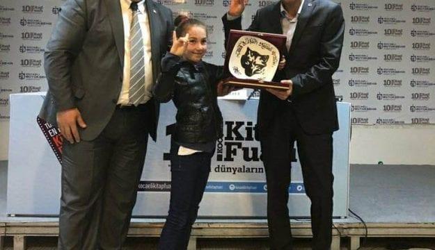 Türk Ocakları'ndan Kitap Fuarında Kızılelma Damgası