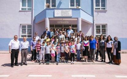 Kocaelilerin Kitap Kampanyası Ege'de Büyük İlgi Gördü