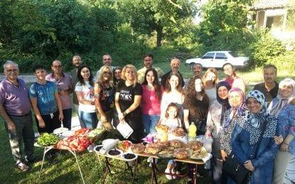 Baykara Ailesi Kandıra Çakırcaali Divanı Çivelekler Köyü meydanında piknikte buluştu