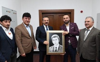 Trabzonlu Gençlerden  Vali Aksoy'a davet…