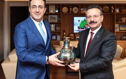 Vali Aksoy, THY Başkanı İlker Aycı'ya Ziyarette Bulundu