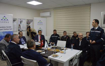Bakan Fatih Dönmez,Yeni Yılı SEDAŞ İşletme Bakım Ekipleri İle Karşıladı
