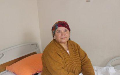 Körfez Devlet Hastanesine Baston ile Gelen Hasta Yürüyerek Taburcu Oldu