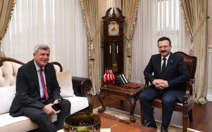 İbrahim Karaosmanoğlu, Vali Hüseyin Aksoy'a veda ziyaretinde bulundu