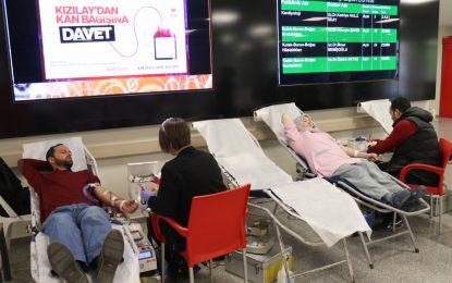 Kocaeli Devlet Hastanesi'nde kök hücre ve kan bağışı standı kuruldu