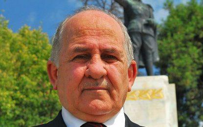 Atatürkçü Düşünce Derneği Başkanı Ahmet Kavaz Zeki Aygün'e Yüklendi