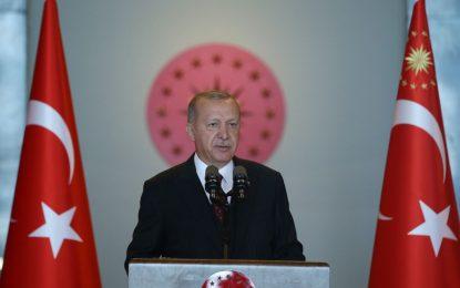 Erdoğan: Bir tarafta açlık ve yoksulluk, diğer tarafta şatafat var