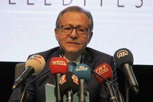 Ağlayarak istifa eden AKP'li eski başkandan Babacan'a destek
