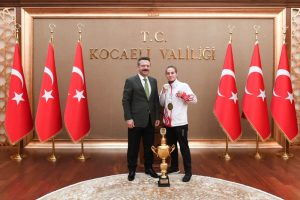 WAKO Gençler Avrupa Kick Boks Şampiyonu Fedakartürk, Vali Aksoy'u Ziyaret Etti