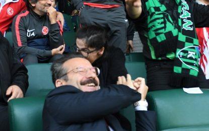 Vali Aksoy  Kocaelispor Futbol Müsabakasını İzledi